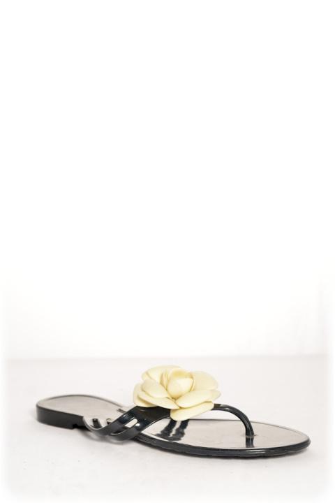 Босоножки . Артикул: Chanel black шлепки с цветком